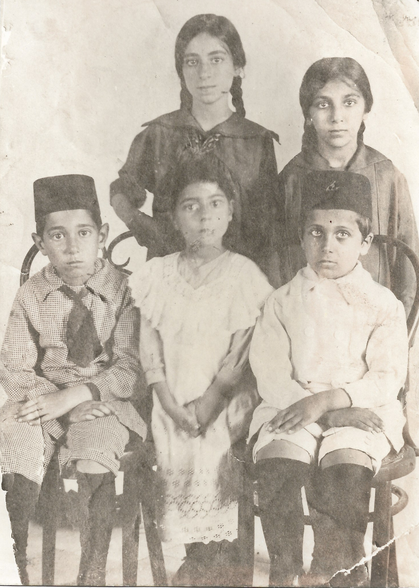 Left to Right Back Row: Maryam Jalal Shahid, Mehranguise Rabbani Front Row: Ruhi Mohsen Afnan, Zahra Jalal Shahid, Hossein Rabbani