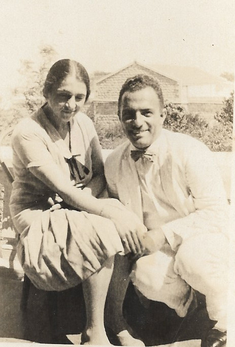 Nayer Afnan and Ruhanguise Afnan, sister of Shoghi Effendi, 1928